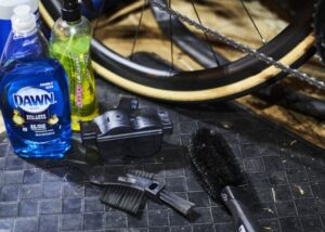 The Easiest Way to Clean a Bicycle Chain – Wipe It Down